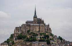 mont saint michel picture